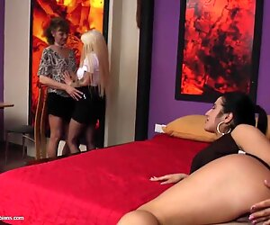 Young babes fuck mature lesbian mom