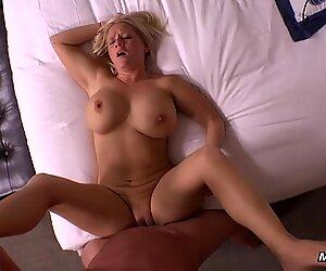 Huge Tits Bubble Butt Amateur Milf Hard Fucking POV
