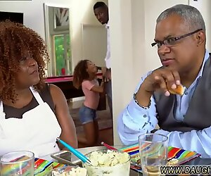 Squirting black chum s daughters - Ebony Woods