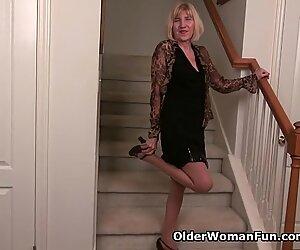 Skinny grandma Bossy Rider gets her juices flowing