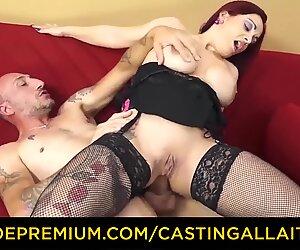 Kasting alla italiana - prsnaté newbie goes for anál sex