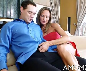 crimson red-hot mamma wants for climax