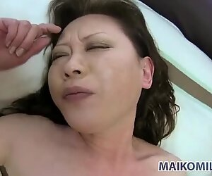 Regular blowjob and missionary position sex for Akemi Seo