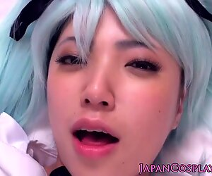 Cosplay Hatsune Miku gets creampie