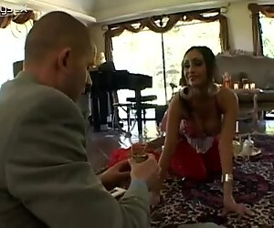 Obedient wifey shows a real Kamasutra to foreigner
