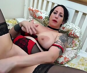 Hot mom with big saggy tits and big cunt