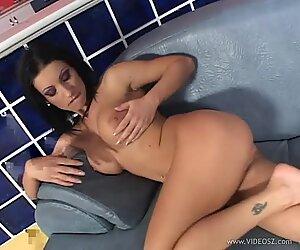 Nikki Rider rams her fingers deep in her wet slot