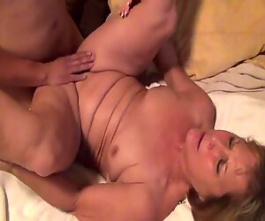 Watching Mature Wifey Fucked By Young White Bull