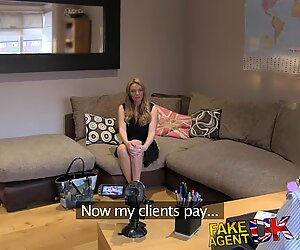 FakeAgentUK mummy with perfect bootie for slapping