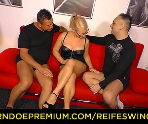 REIFE SWINGER - Hot German with glasses banged in trio